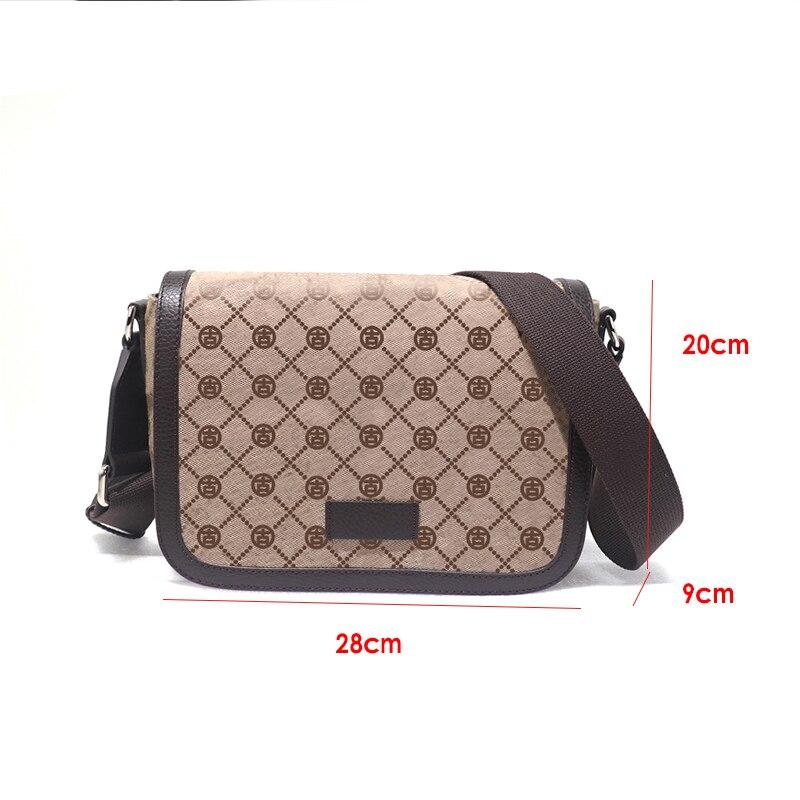 حقيبة يد صغيرة مطبوعة من مادة الكلوريد متعدد الفينيل حقيبة يد كبيرة بكتف واحد للرجال 2021 أوروبا والولايات المتحدة حقيبة جديدة على الموضة
