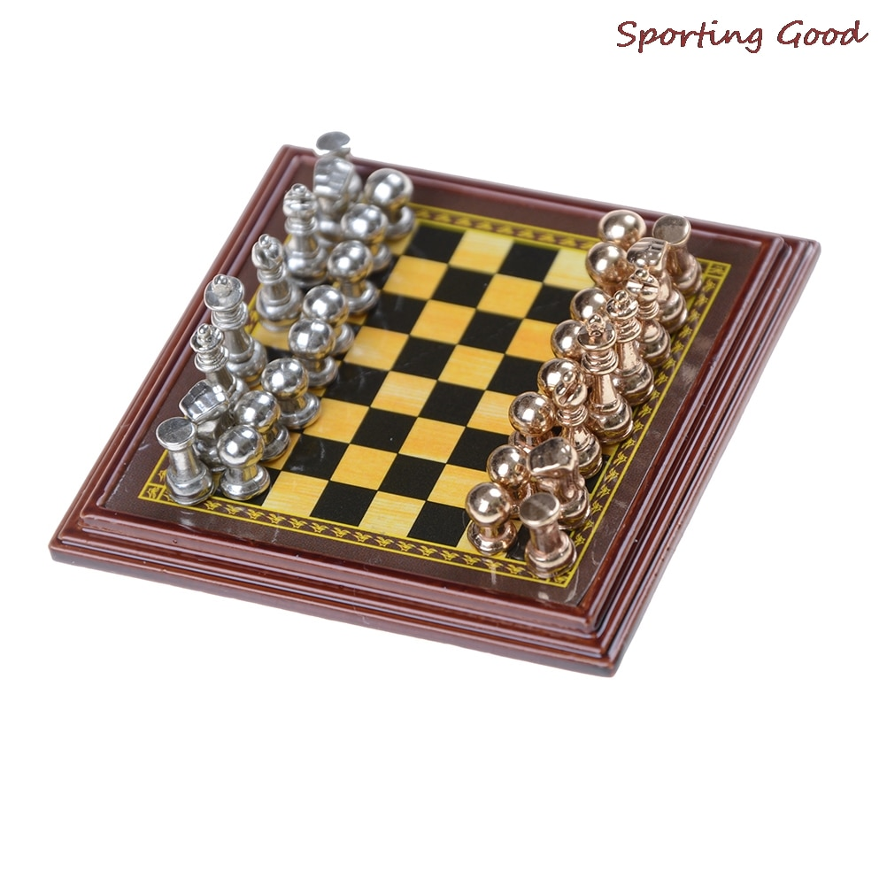 Classic Zinc Alloy Chess Pieces Wooden Chessboard Game Set With King Outdoor High Quality