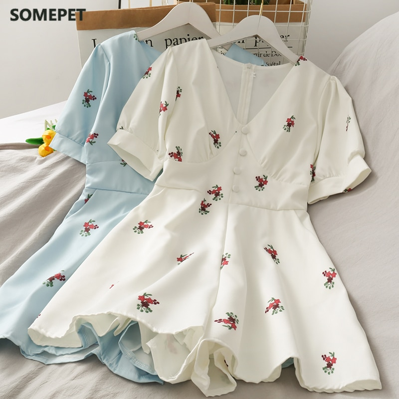 Summer Retro Fashion Women Playsuits Casual V-neck Short Sleeves  Slim Embroidery Floral Playsuits Ladies Short Overalls