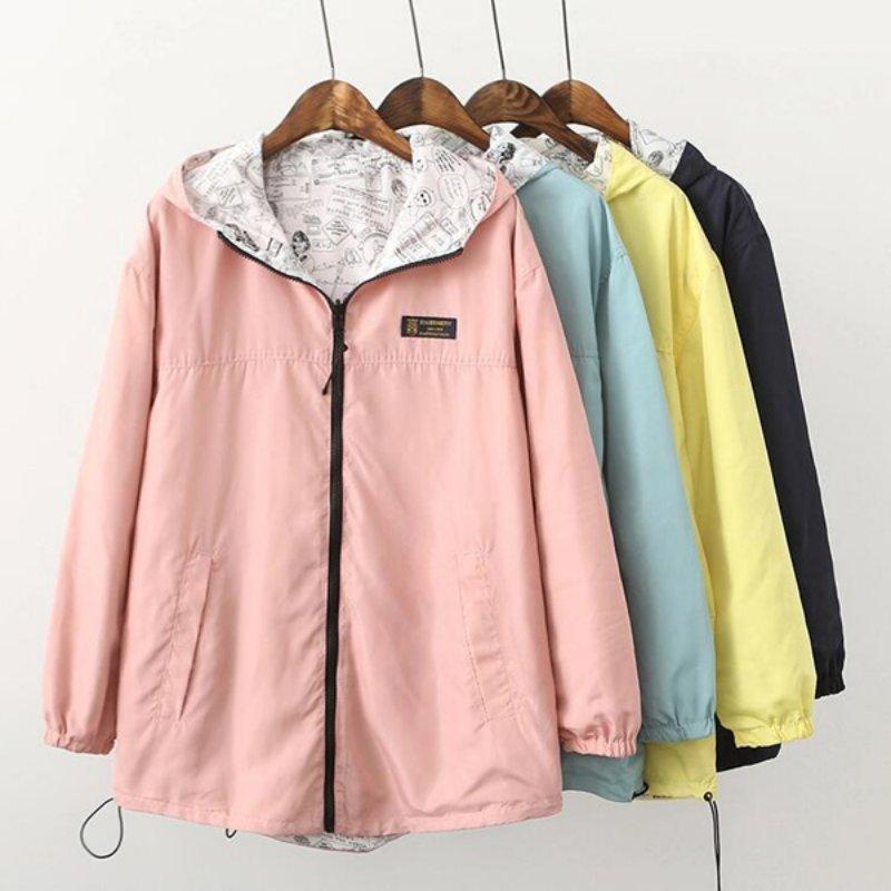 Сезон весна; Модная женская куртка-бомбер карман на молнии с капюшоном из двух частей возможность носить на обе стороны, принт с героями мул...