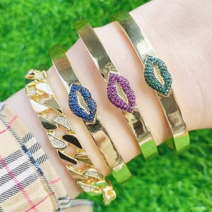 5 Pcs New design zircon kiss style bangles high quality Gold color Metal bangle fashion jewelry for women 51645