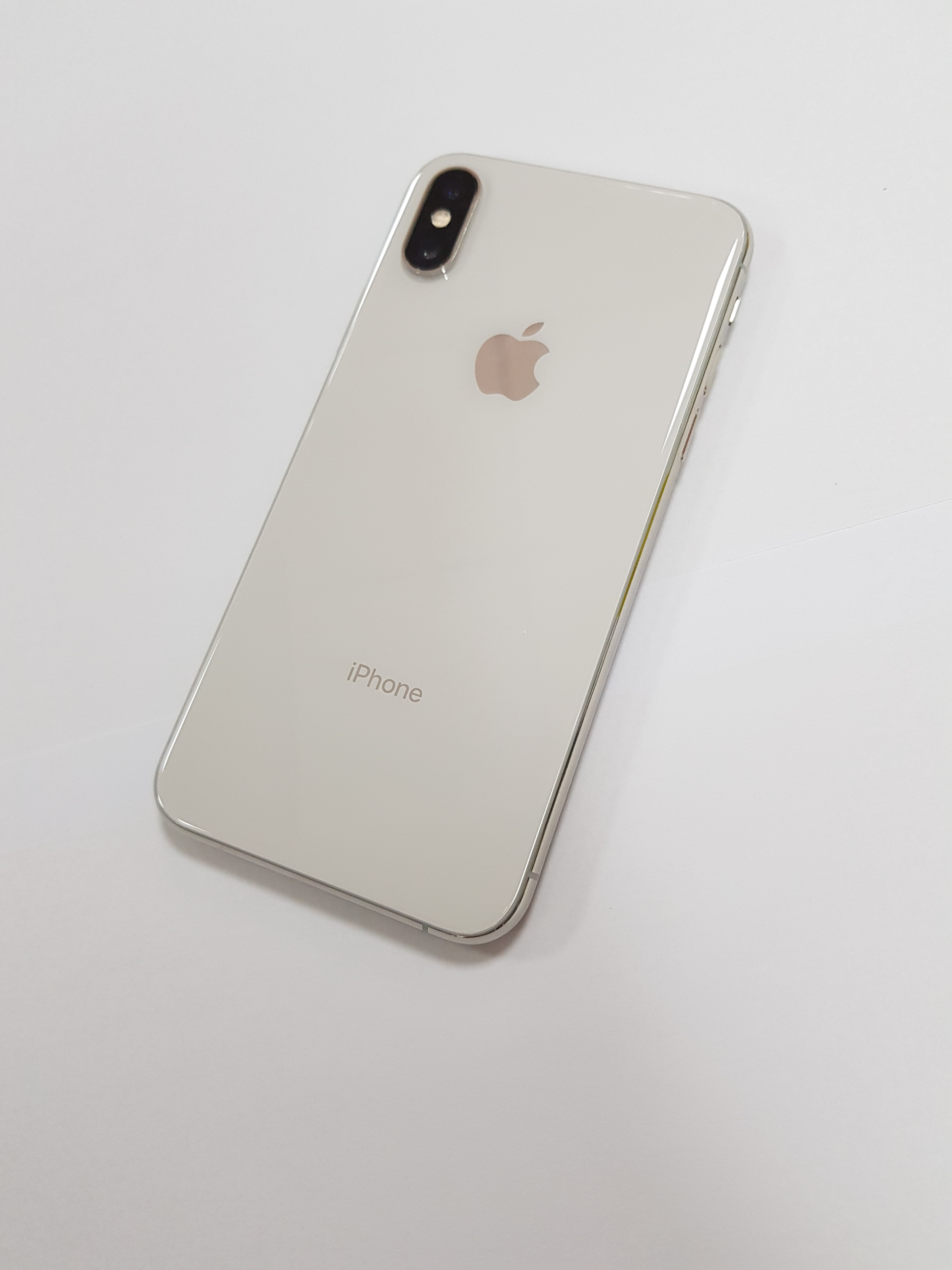 Apple Original iPhone X  Face ID iOS A11 Chip Hexa Core 64GB/256GB Rom 3GB Ram 5.8inches Display 12MP 4G LTE Mobile Phone enlarge