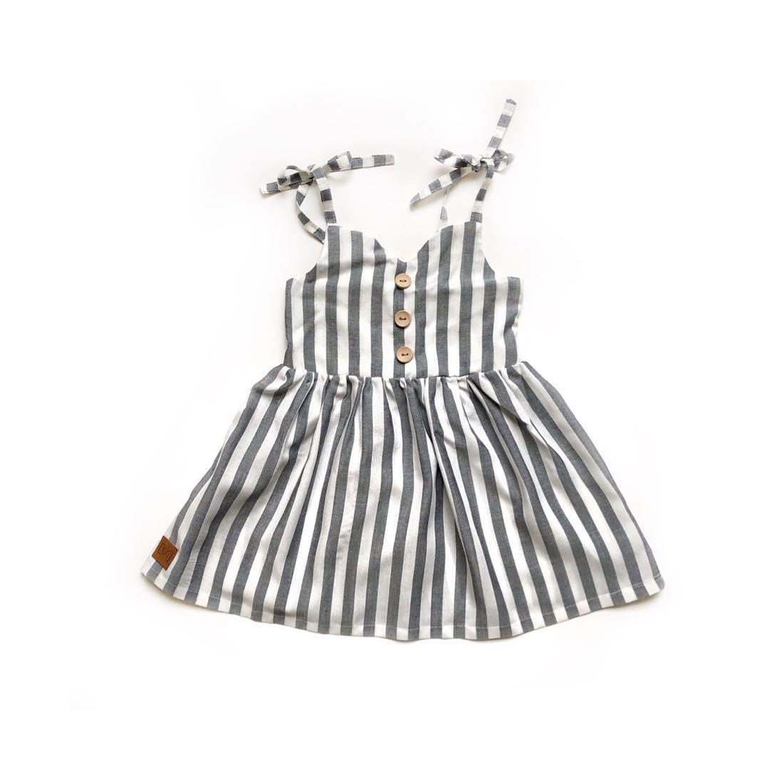 Baby Neugeborenen Sommer Kleidung 1-6Y Infant Kind Baby Mädchen Niedlichen Gestreiften Kleid Spaghetti Ärmellose Gürtel Taste Knie Länge Kleider
