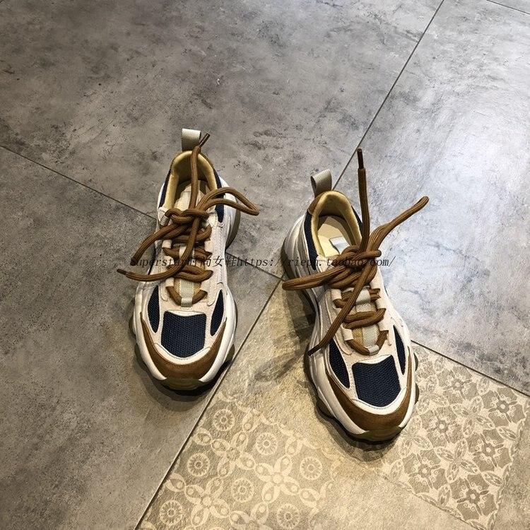 INS سوبر النار أحذية رياضية المرأة ربيع جديد كل مباراة اللون مطابقة منصة موضة صافي حذاء أحمر المرأة أحذية أنيقة