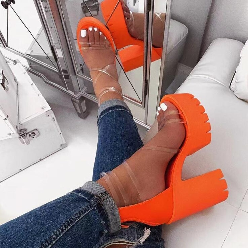 ¡Novedad de 2020! Sandalias de tacón alto de neón naranja para mujer, sandalias de viaje para exterior con tiras cruzadas de PVC, sandalias antideslizantes con suela de goma.