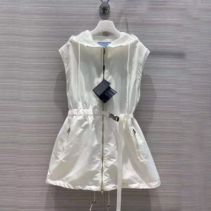 2021 الصيف الخريف المرأة الغبار خندق سستة معطف مقنعين مضحك ارتداء الصلبة أبيض أسود معطف الراقية