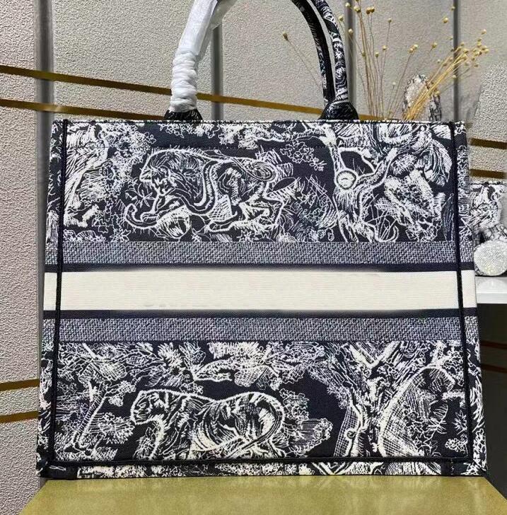 2021 موضة فاخرة المرأة مصمم حقيبة يد حقائب عالية الجودة المحافظ وحقائب اليد الجاكار التطريز حقيبة كتف الشاطئ حقيبة