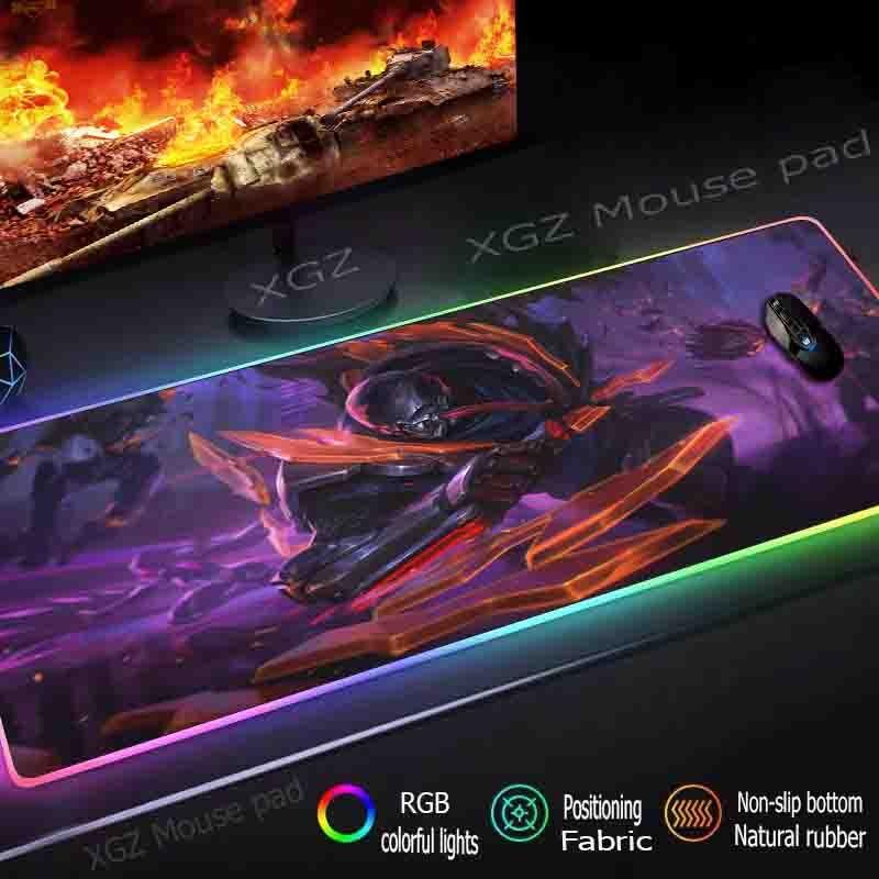 Xgz grande rgb jogo mouse pad preto bloqueio-borda anime ferro blindado computador mesa tapete de borracha antiderrapante 900x400 / 800x300 xxl