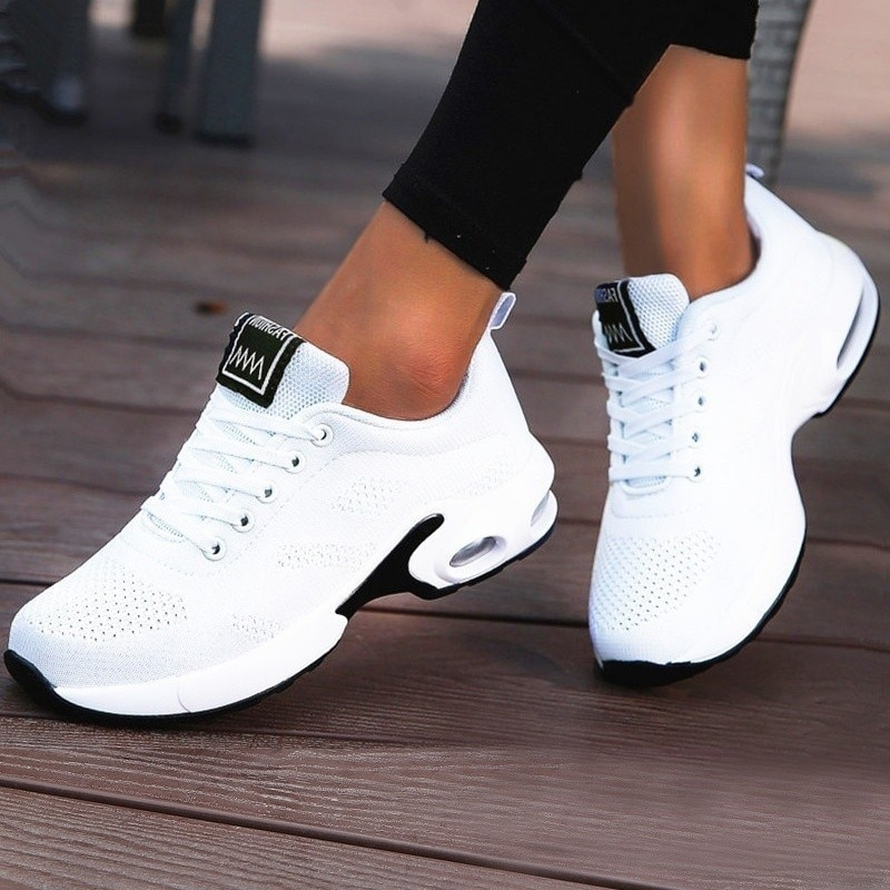 2020 New Fashionable Womens Sports Shoes Running Outdoor Breathable Mesh Comfortable Jogging Air