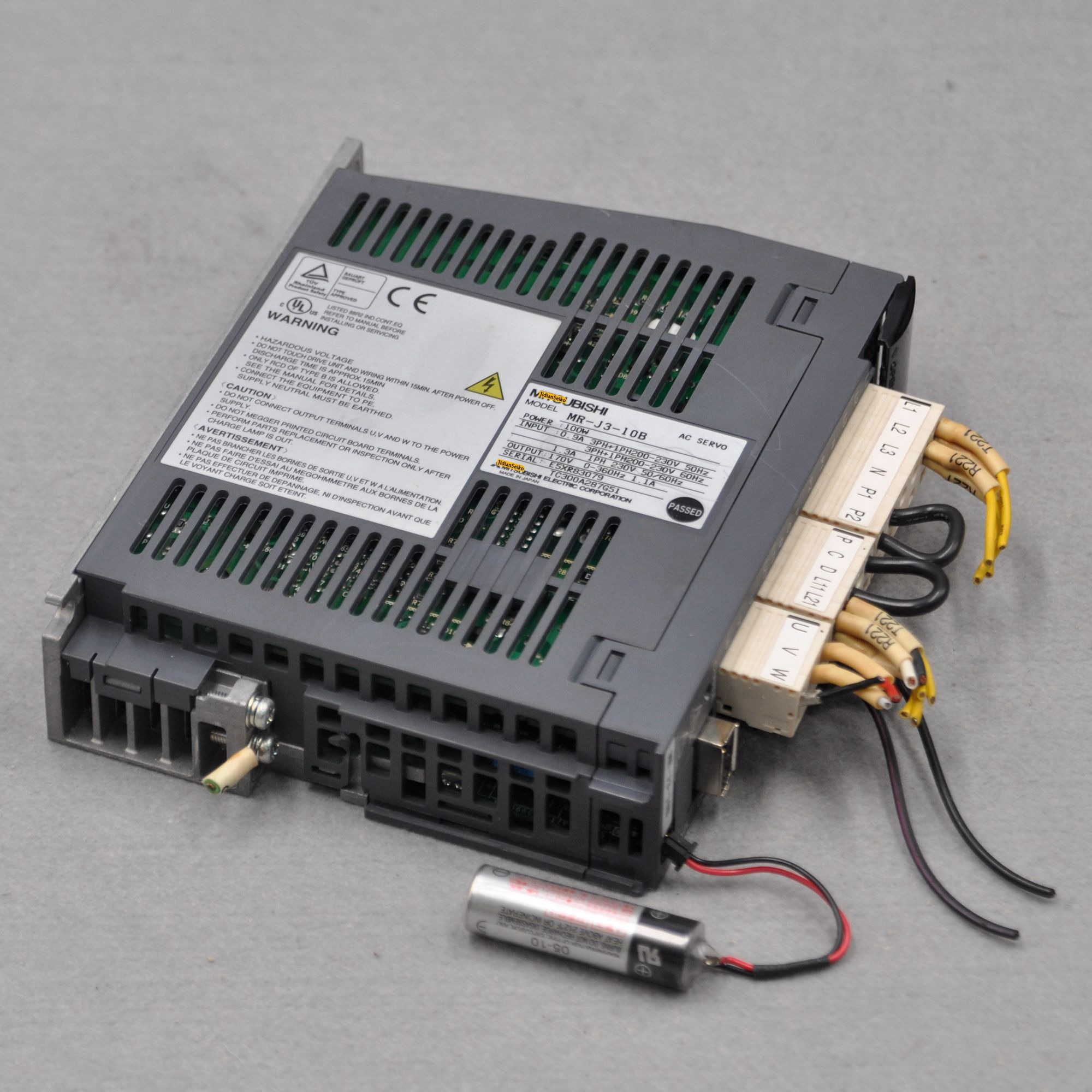 Japan J3 series  MR-J3-10B 100W MR-J3-20B 200W servo driver Can be equipped with HC-PQ13 motor