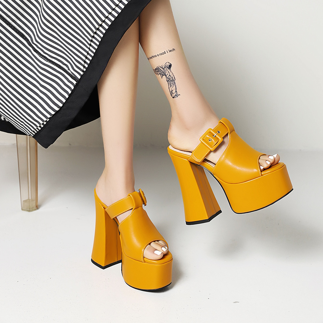 N-Y All Melody Women Modern Outdoor SlippersSuper High Thick Heel Platform Solid Lesiure Yellow Black Big Size to 43 Botas Mujer