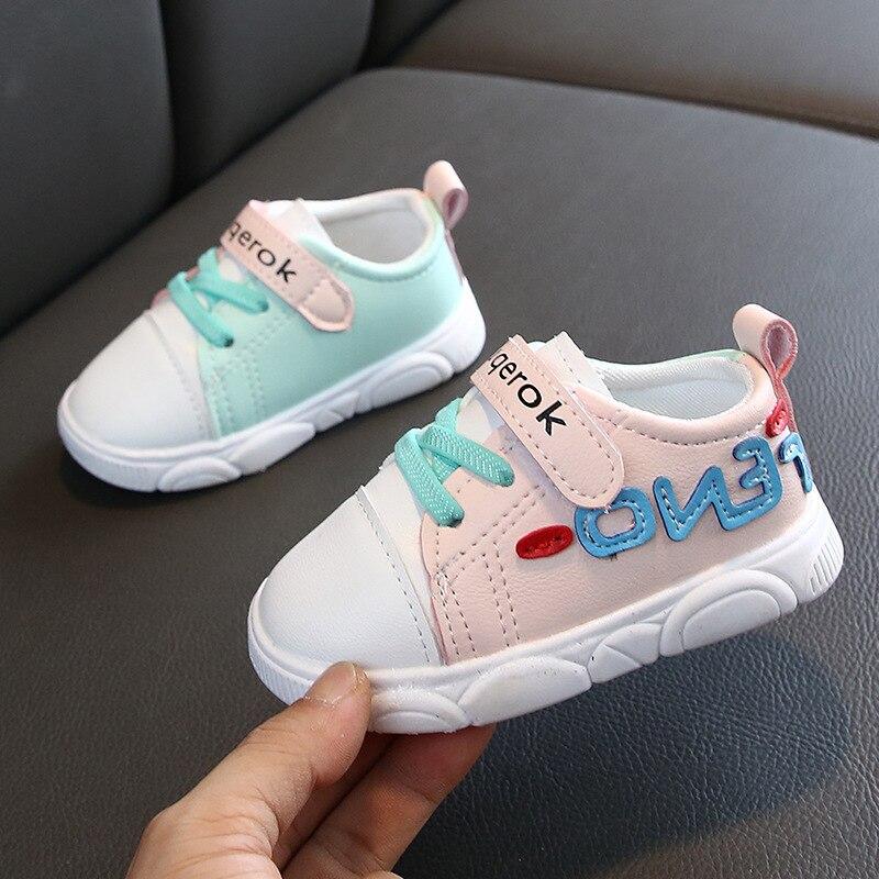 Zapatos de bebé para niño niña parte inferior de goma primeros zapatos de andar Unisex zapatillas para niños letra Casual zapatos de recién nacido 1 * par