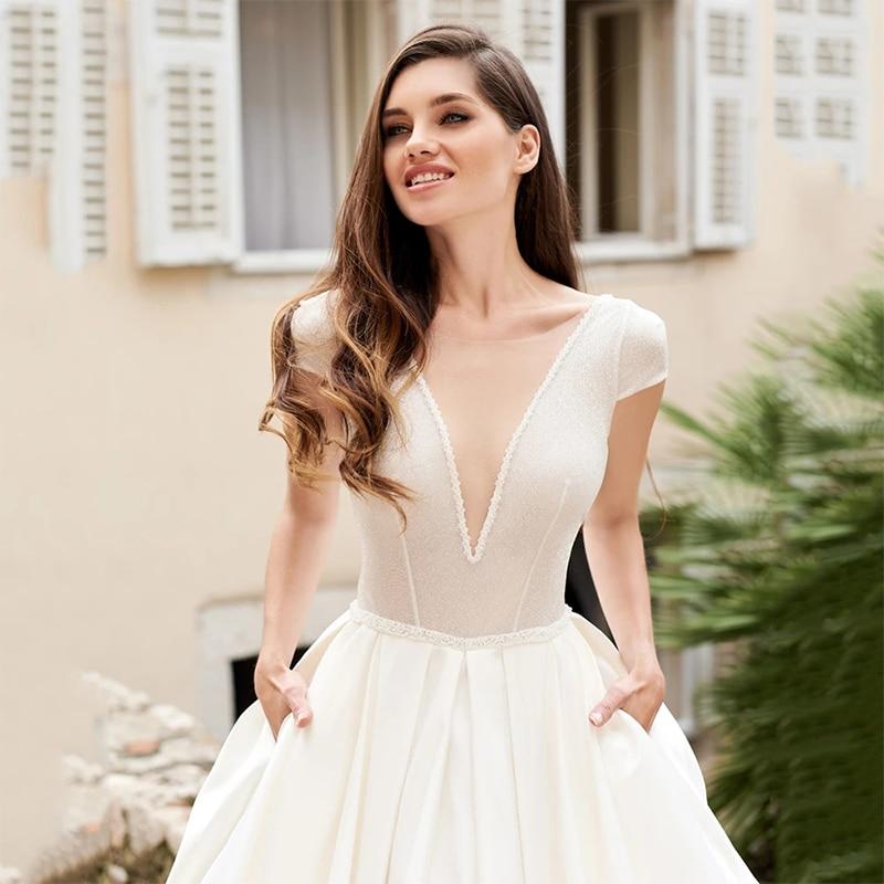 ChuYu 2021 Modest  Ivory A-Line Satin Bridal Gowns Deep V-neckline Backless Sample Wedding Dress Formal Occasion Hot Sale