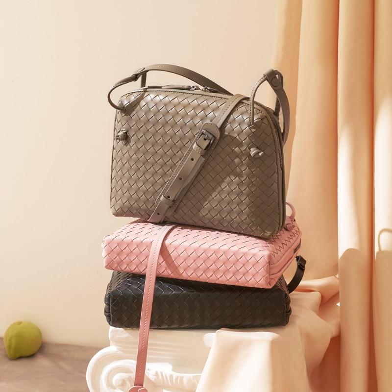 2020 New Leather Women's Shoulder Bag Luxury Brand Fashion Woven Bag Simple Shell Bag High Quality Messenger Bag 100% Sheepskin