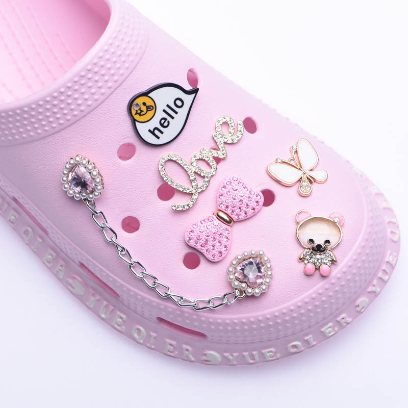 Bling Rhinestone Designer Charms Shoe Accessories For Croc Shoes Sandals Decoration Metal Tag Letter