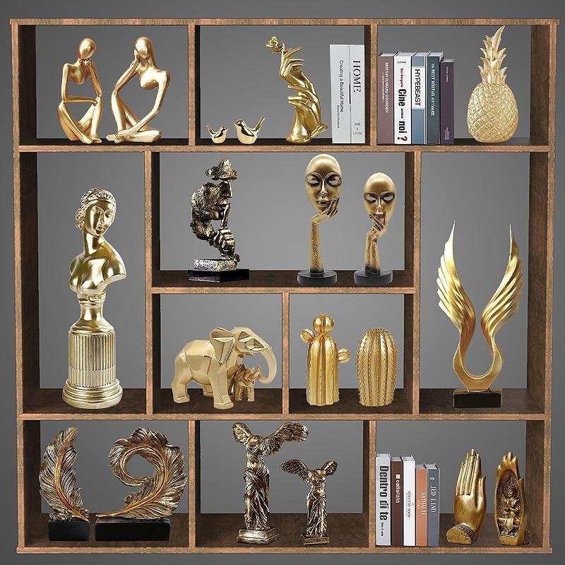Decoración tecnológica nórdica de resina dorada de lujo para sala de estar, comedor, porche, vino, armario, TV, decoración de regalo