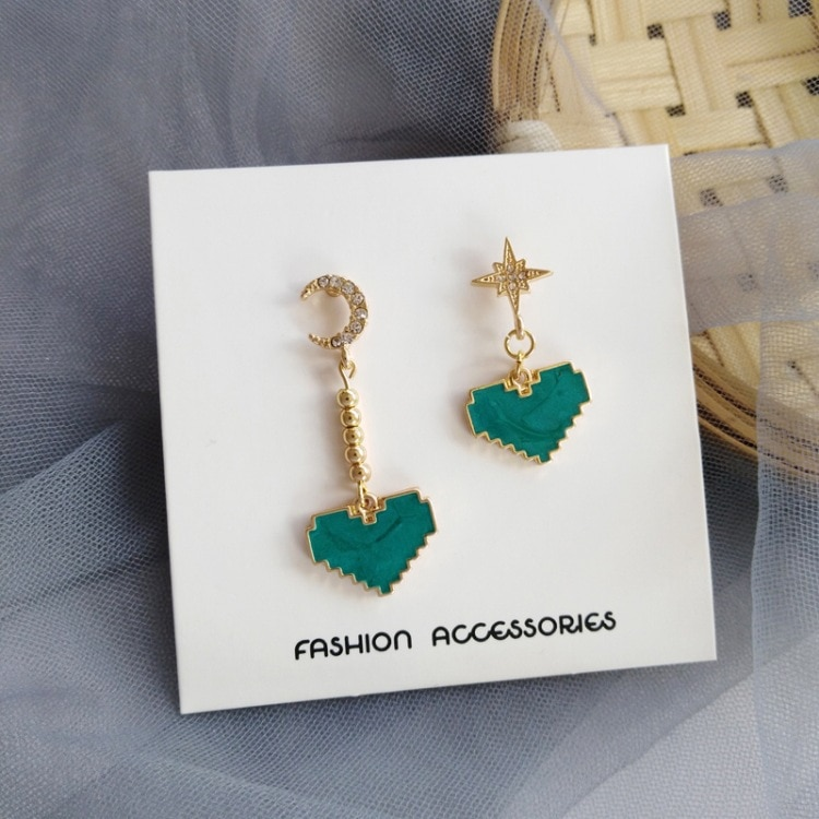Temperamento amor simple japonés y coreano creatividad Xingyue verde menta gota de aceite diamante pendientes retro Mujer