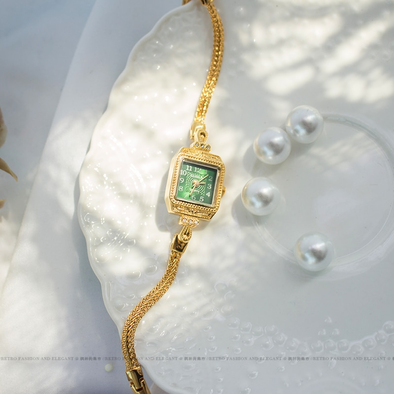 2021 new women's watch square dial gold watch Valentine's Gift Retro luxury temperament emerald dial Bracelet enlarge