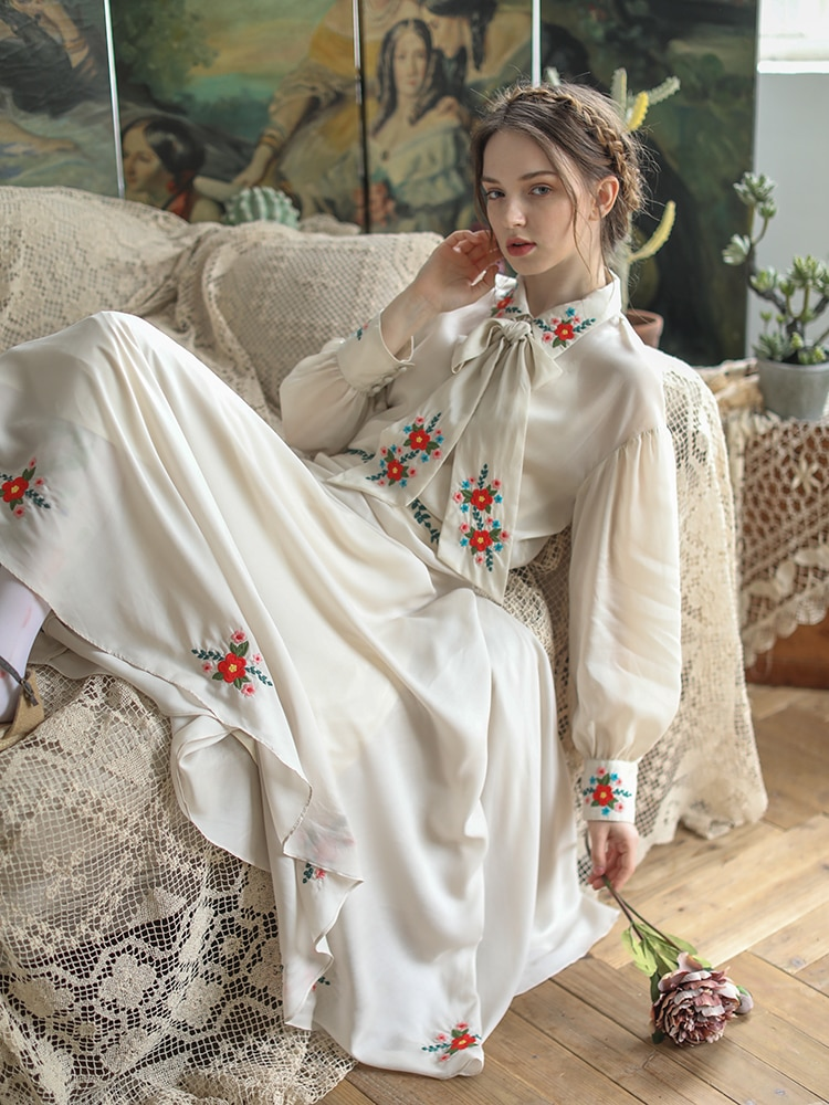 Verano primavera Camisas Mujer Vintage elegante Mori Girl adorables largo manga bordado Casual suelta AllMatch Camisas Blusas con corbatas
