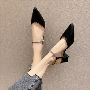 New summer 2021 pointed middle single shoes for women with small French heels and thick heels for women with diamond sandals