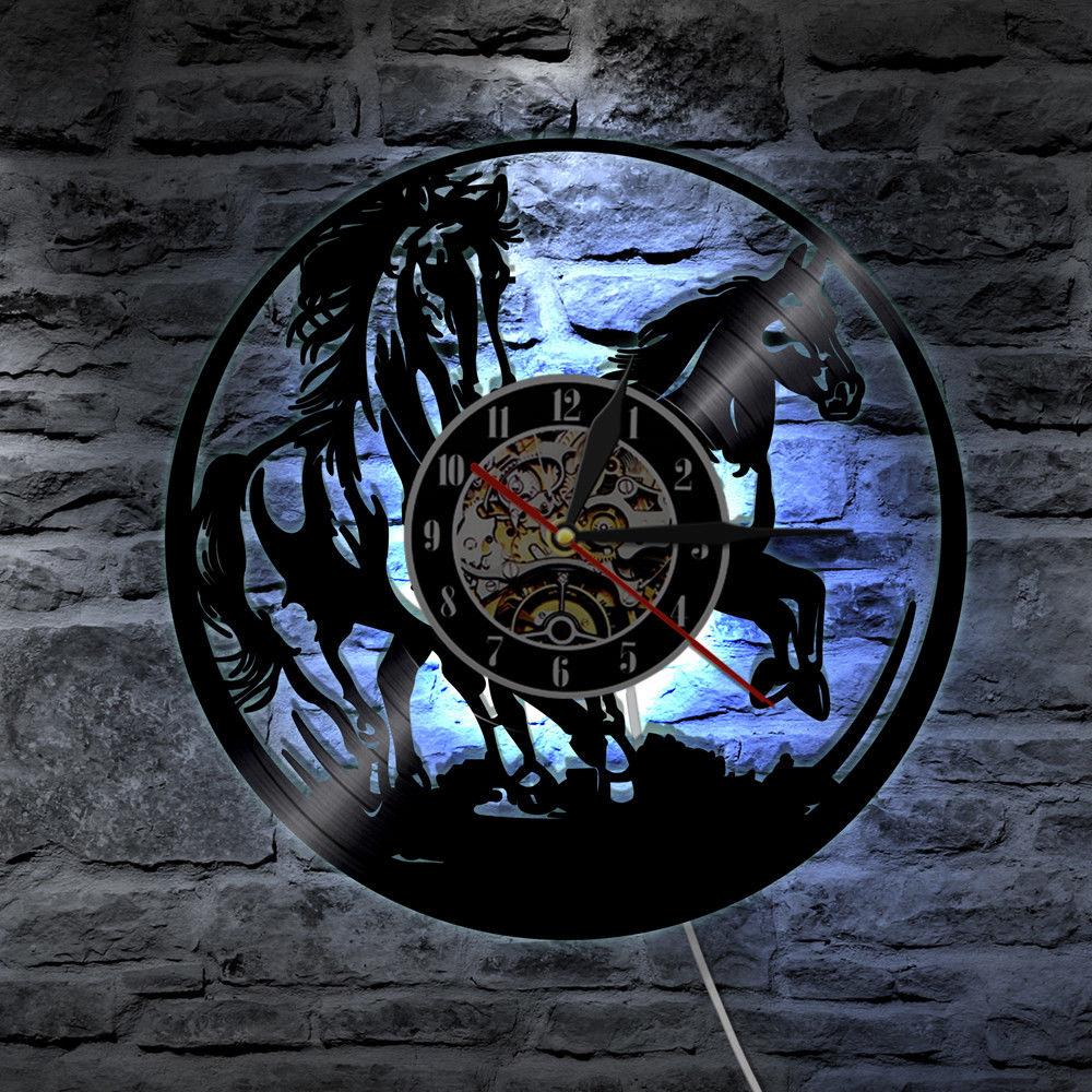 Reloj de pared operado por batería, iluminación LED, luz que cambia de Color, mando a distancia, decoración del hogar silenciosa, Láser de caballo de 12 pulgadas BB50W