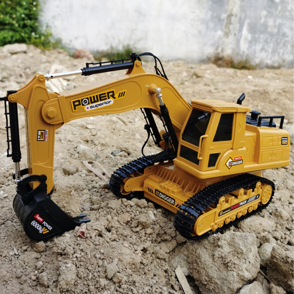 1/18 Rc Car Control remote Excavator 2.4G Radio Controlled Car Caterpillar Tractor Model Engineering Building Construction Toys enlarge