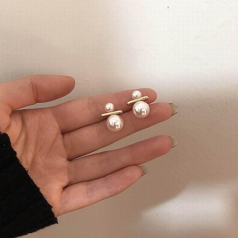 El nuevo 2020 francés dulce joker pendientes de perlas temperamento chica pendientes de Jane personalidad ambiente de pendientes de moda