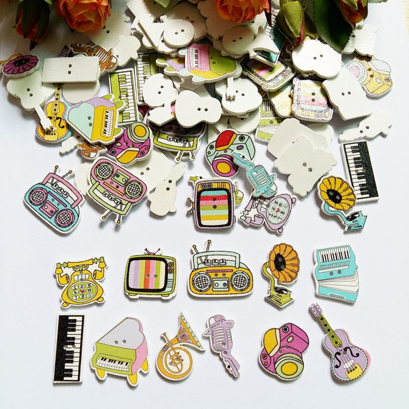 50 pçs/lote misto 2 buracos dos desenhos animados adorável instrumentos musicais série botões de costura de madeira scrapbooking