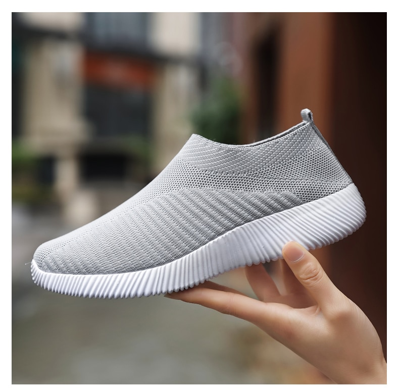 2021 new running shoes for men and women black white color size 36-46 eur4649921