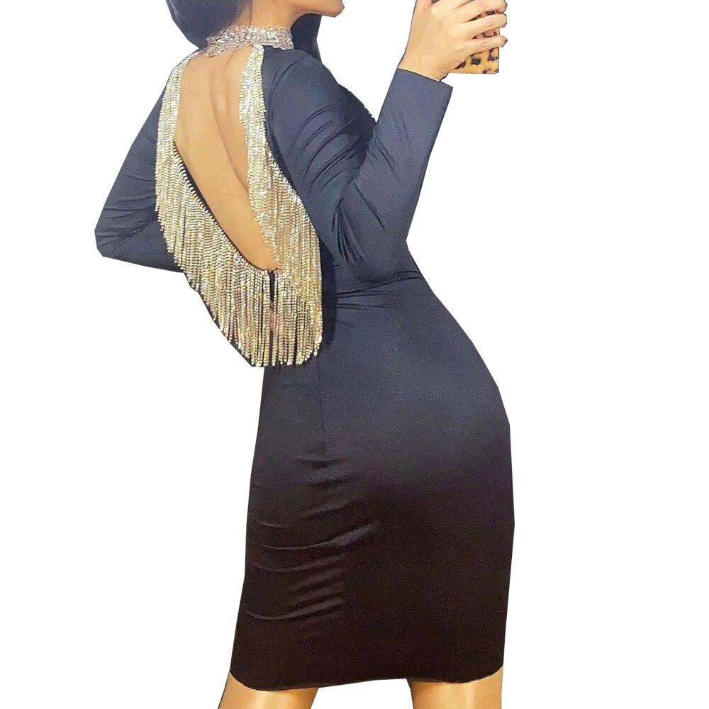 فستان بأحجار الراين المتلألئة بطول الركبة ، ملابس أداء ، زي موحد مع بوم بوم ، أكمام طويلة ، ظهر عاري