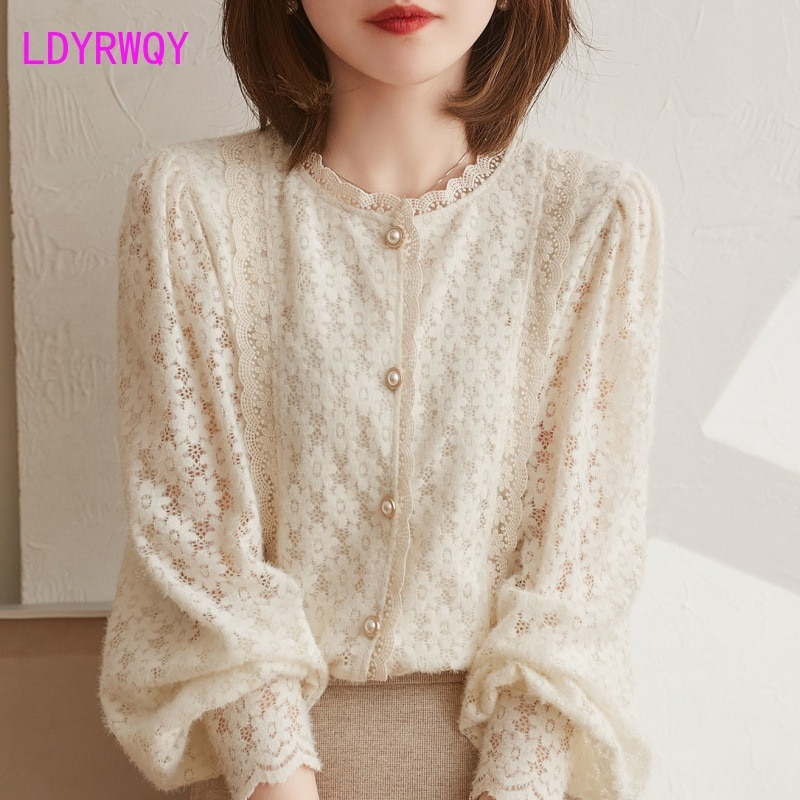 LDYRWQY 2021 new spring French gentle woolen patchwork lace round collar chiffon blouse woman shirts
