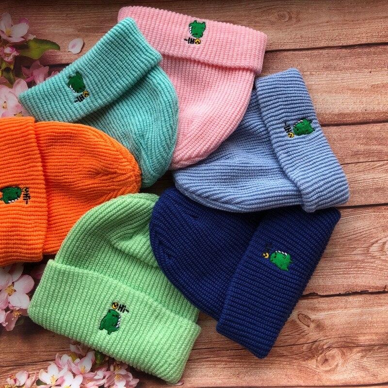 Женские и мужские зимние шапки с вышивкой, облегающие шапки, осенние шапки унисекс карамельных цветов, вязаная шапка, головные уборы для жен...