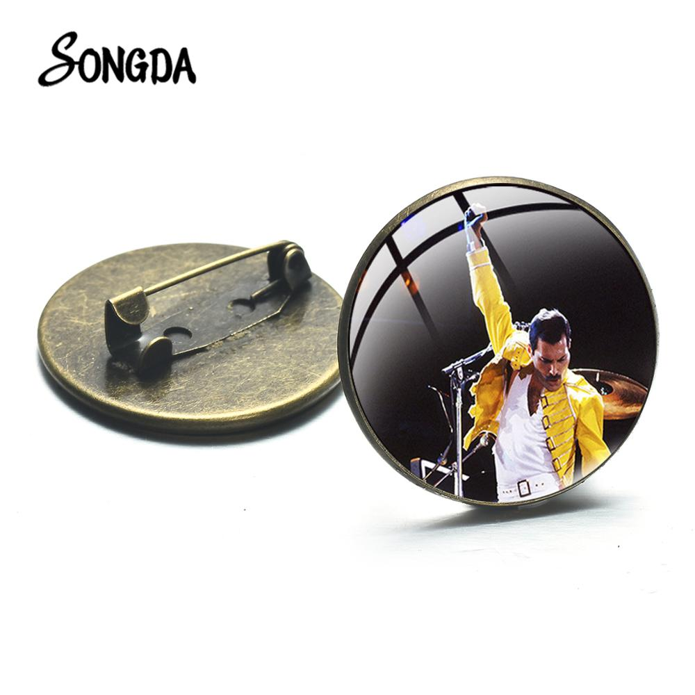 Cool Freddie Mercury Band Photo Brooch Souvenir Queen Band Lead Singer Classic Brooches Pin Music Concert Badge Fans Gift