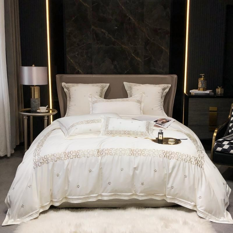 4 قطعة غطاء لحاف من القطن المصري مجموعة الملك الملكة حجم 4 قطعة الأبيض الذهبي الفضة التطريز طقم سرير مع غطاء سرير سادات