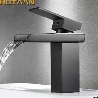 Robinet de lavabo de salle de bains en laiton plaque noir  cascade de lavabo carre melangeur devier chaud et froid  robinet de lavoterie a une poignee YT-5018-H