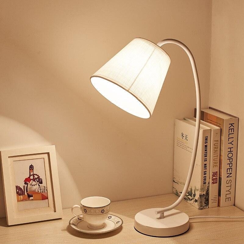 Lámpara de escritorio moderna y original, lámpara de mesa de dormitorio Led con protección ocular, lámpara de noche para dormitorio con personalidad, lámpara de escritorio de hierro forjado conciso
