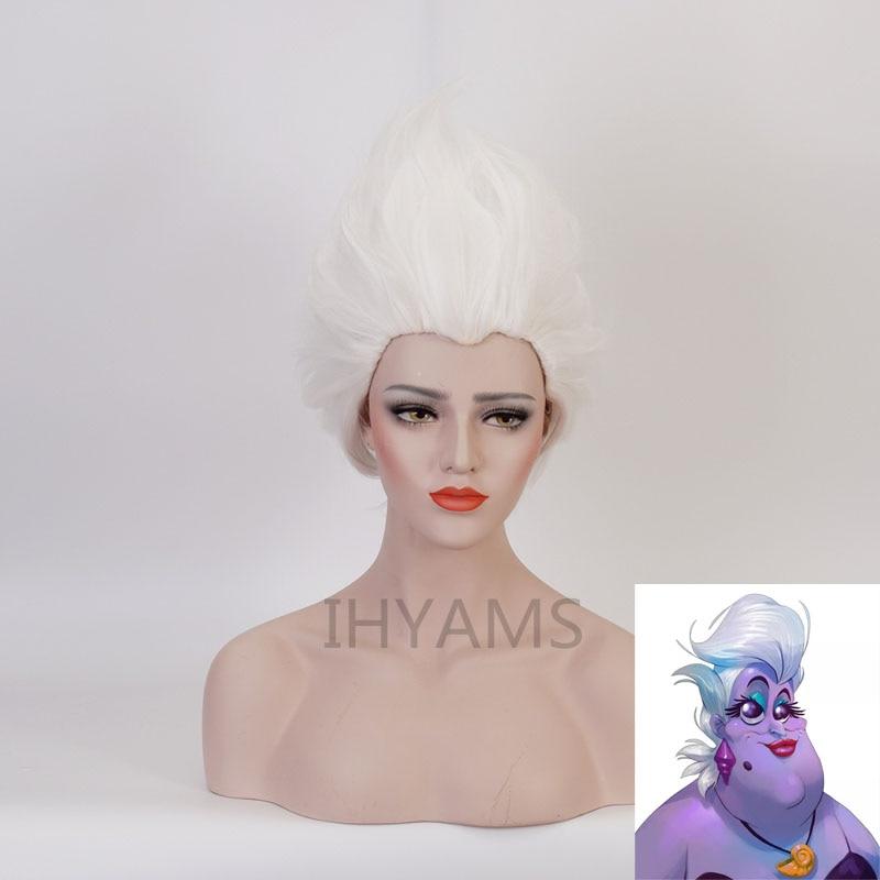 شعر مستعار Ursula تأثيري الباروكات قصيرة الاصطناعية نقية بيضاء الباروكات مقاومة للحرارة + غطاء شعر مستعار