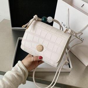 Niche Design Popular Handbag 2021 New Fashion All-match Messenger Bag High-end Western Style Square Bag Shoulder Bag Width: 18cm