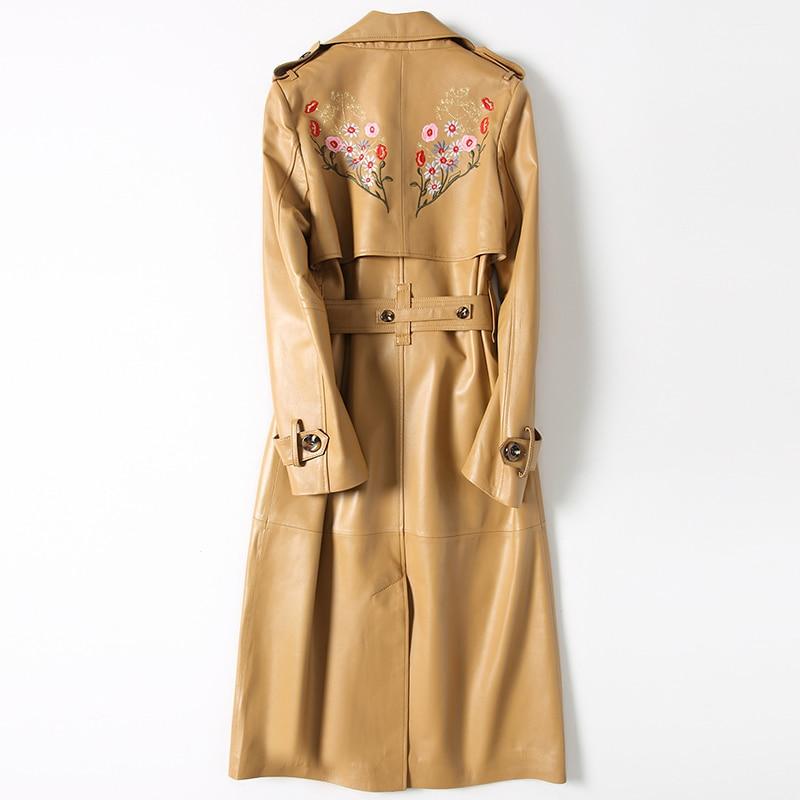 Abrigo de pelo auténtico de oveja 2020 para mujer, de cuero auténtico Chaqueta larga de otoño, gabardina con cinturón bordada y doble botonadura