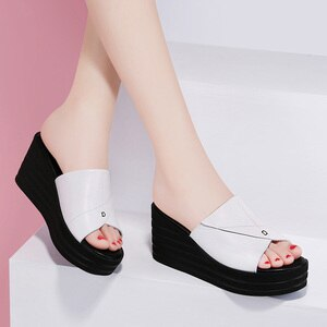 Slope sandals and slippers ladies summer fashion wear 2021 new Joker platform shoes thick bottom high heel sandals white