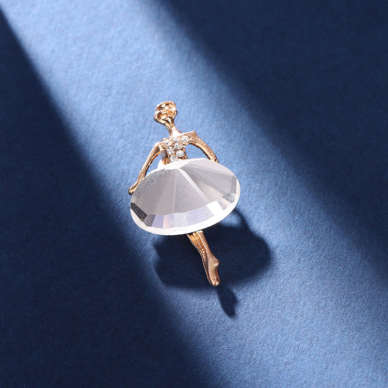 Dancing Woman Enamel Pin Diamond Accessories 2012NEW Exquisite Brooches Personality Badges Clothes B