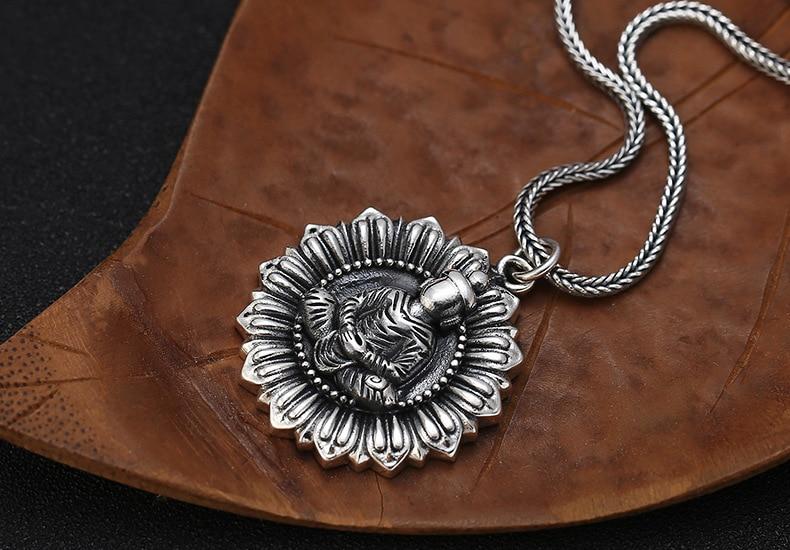 Religious Silver Jewelry Shakyamuni Buddha Amulet Pendant For Men Women Vintage 925 Thai Silver Buddha Portrait Pendant TSP245