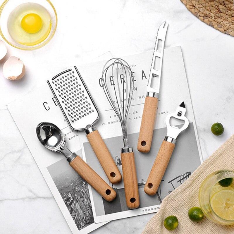 Кухонная утварь, гаджеты, набор посуды, инструменты для приготовления пищи, гаджеты с деревянной ручкой