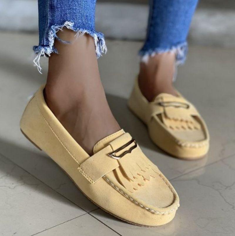 جديد لخريف 2021 حذاء نسائي عصري مسطح مُزين بشراشيب من جلد الغزال الصناعي حذاء ليفو مزخرف مريح ومتعدد الاستخدامات 5KE492