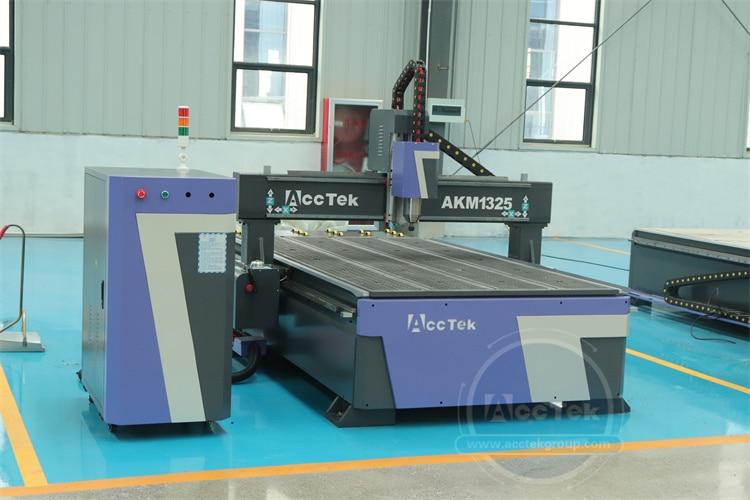 High Quality Low Price Medium Sized Plywood Soft Wood Hard Wood MDF Chipboard Cutting Wood Working Machine  in Germany enlarge