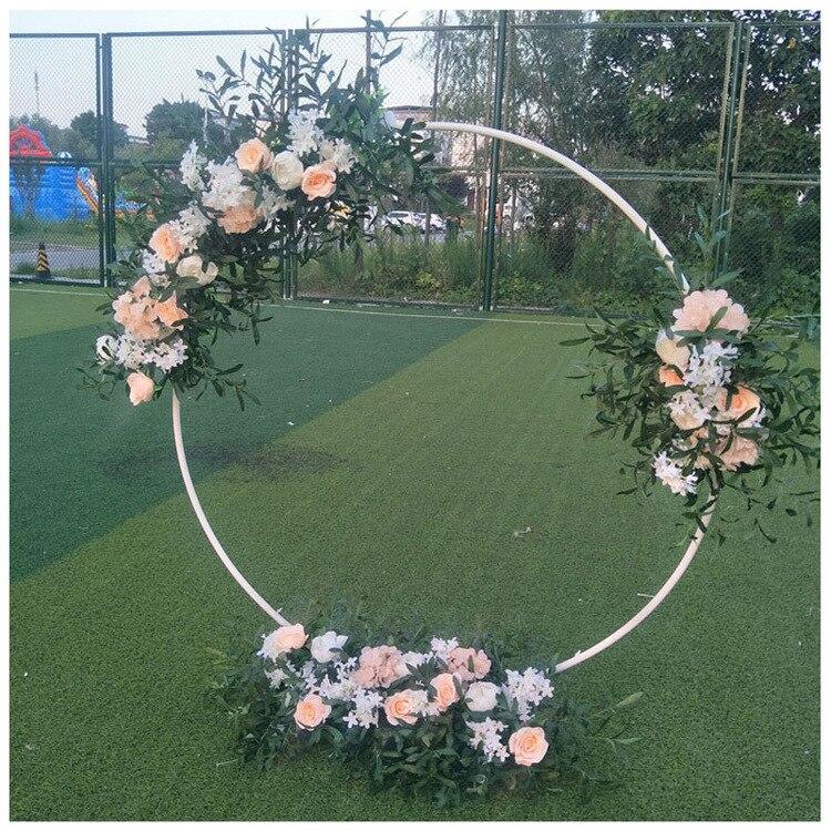الزفاف الدعائم الحديد المطاوع حلقة كبيرة قوس خلفية زهرة بوابة في الهواء الطلق الحديقة الزفاف الجرف حديقة قوس