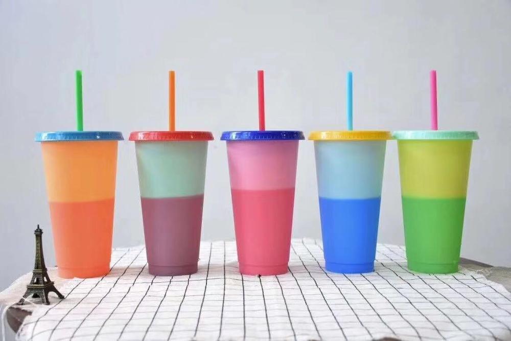Botella de plástico de 700ML de temperatura cambio tazas de Color 5 piezas de agua fría de cambio de Color de la taza de café taza botellas de agua con pajas conjunto