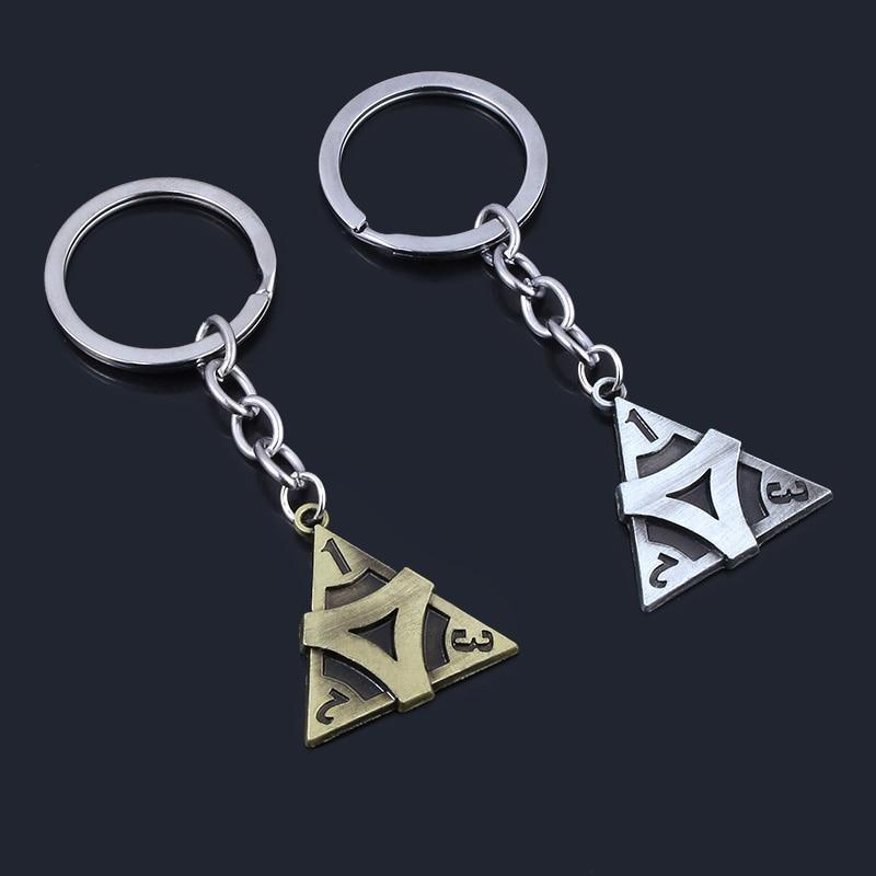 Nuevo Llavero con forma de V de identidad, colgante con forma de triángulo, Llavero de aleación o Llavero de coche para hombre y mujer, joyería de Llavero