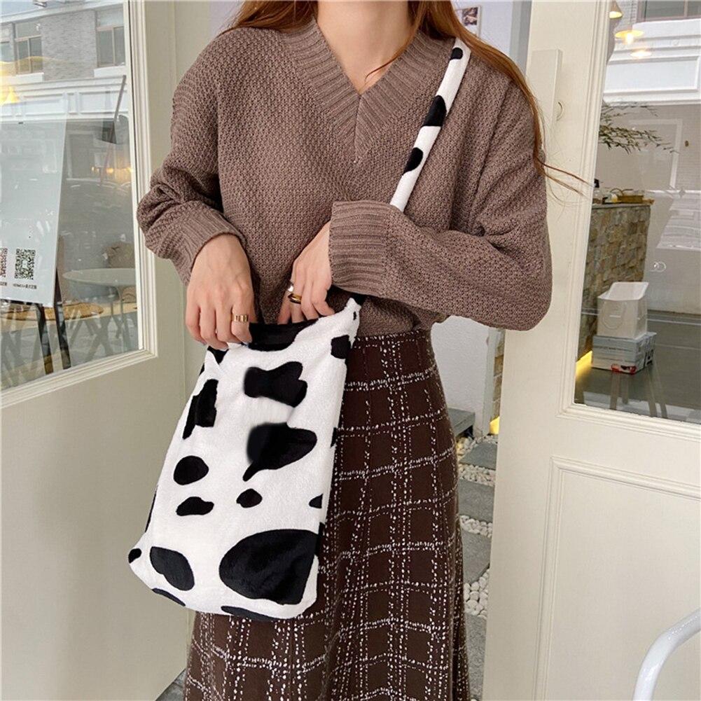 Fashion Plush Cow Milk Pattern Messenger Bag Women Winter Fashion Big Capacity Shoulder Crossbody Handbag Satchel Pouch