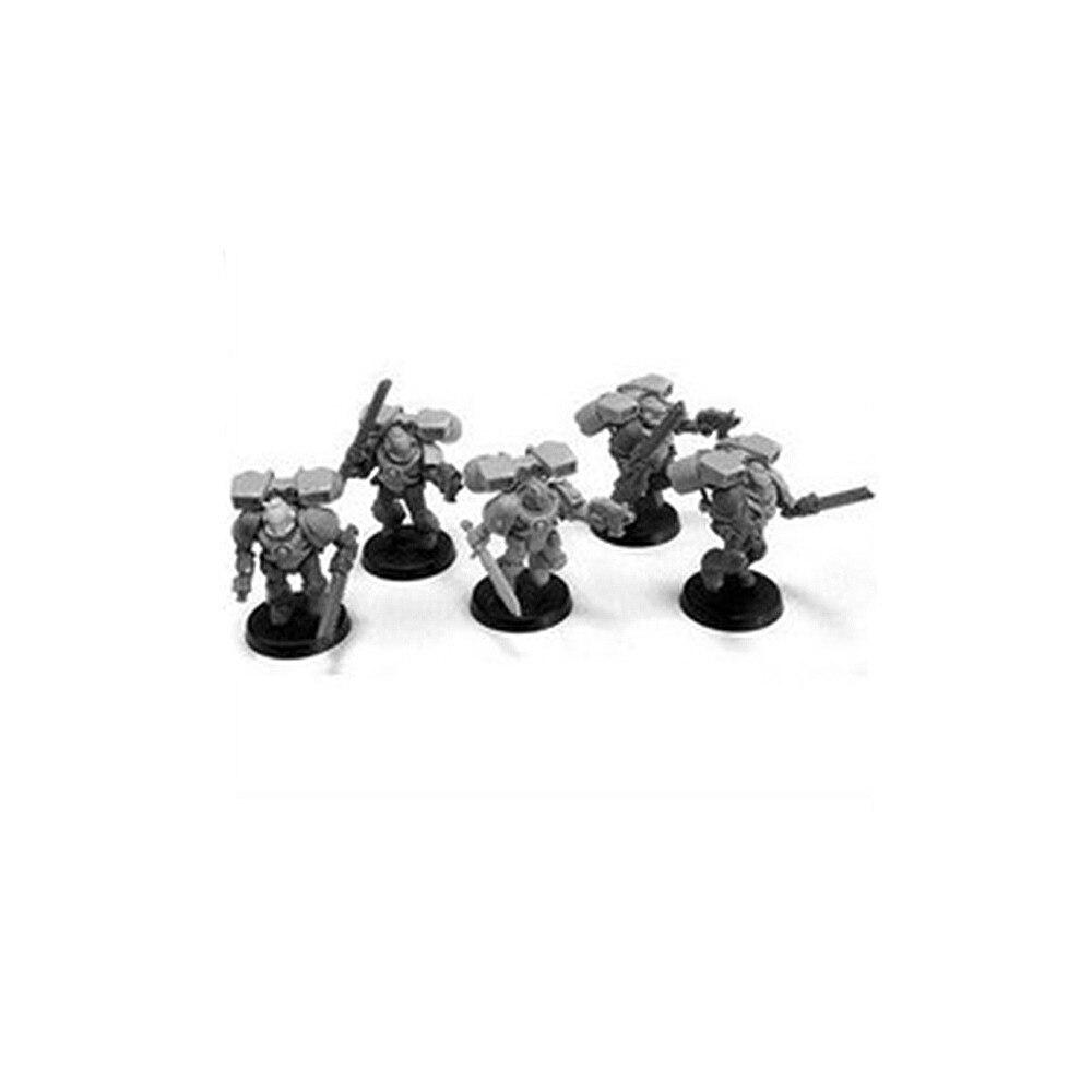 Escorpiones rojos, veteranos de la vanguardia, con el antiguo CULLN sargento (sin arma)